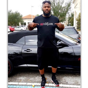 DeShawn Stevenson with the Dri-Fit mevsMJ.com Shirt